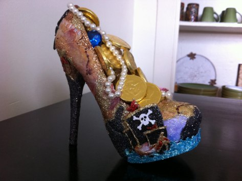 This is one of the Muses shoes given away at a previous parade. (photo via kreweofmuses.org)