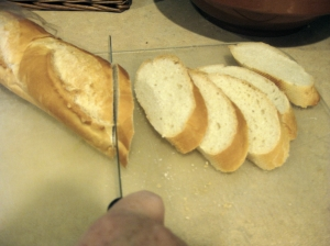 how to make baguette slices (photo by Patsy R. Brumfield/Southfacin' Cook)