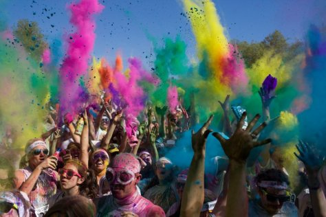 This is what a typical Color Run looks like. (photo via Wired.com)