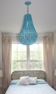 image via http://dollarstorecrafts.com/2010/08/make-a-turquoise-beaded-chandelier/