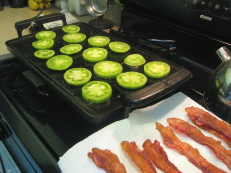 how to make grilled green tomatoes (photo by Patsy R. Brumfield/New in NOLA)