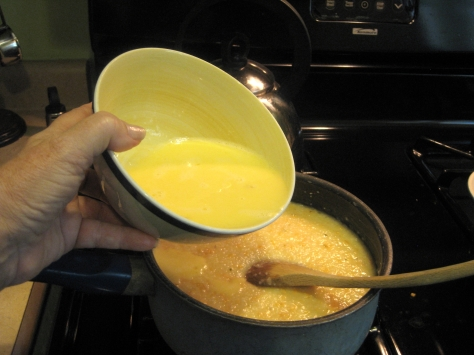 how to make garlic-cheese grits (photo by Patsy R. Brumfield/Southfacin' Cook)
