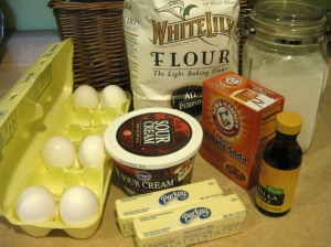 how to make sour cream pound cake (photo by Patsy R. Brumfield/Southfacin' Cook)