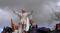 Hugh Laurie was the 2014 king of Bacchus, a Mardi Gras krewe in New Orleans (photo by Carlie Kollath Wells/New in NOLA)