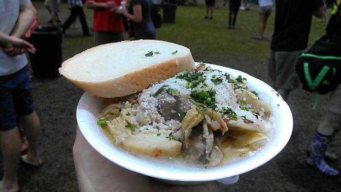 oyster artichoke pasta at the 2014 New Orleans Oyster Festival (photo by Carlie Kollath/New in NOLA)