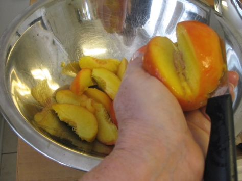 how to make Southern peach chutney (photo by Patsy R. Brumfield/The Southfacin' Cook)