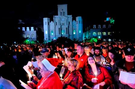 French Quarter Festivals Inc. hosts Caroling in Jackson Square. (photo via FQF Inc.)