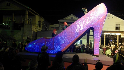 Muses parade 2014 (photo by Carlie Kollath Wells, New in NOLA)