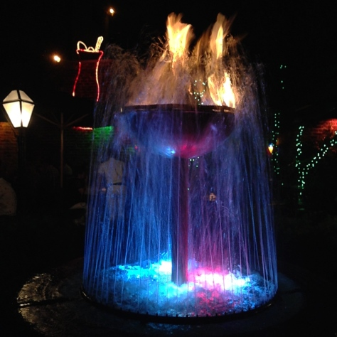 The fire and ice fountain is the centerpiece of the courtyard at Pat O'Brien's. (photo by Carlie Kollath Wells, New in NOLA)